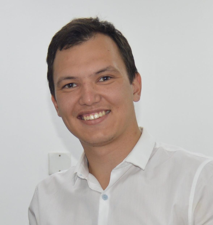 DR. Rinat Raupv
